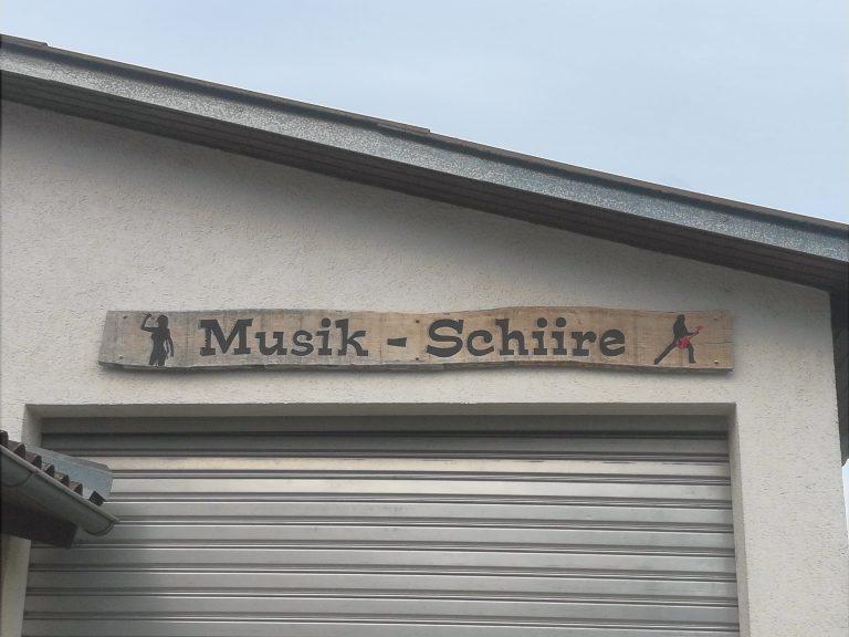 Vereinsheim, Schild Musik-Schiire