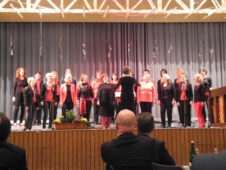 ...reine Frauenchöre wie die Singgruppe Cantiamo aus Bischoffingen,