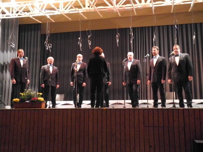 ... und auch ein kleines, aber feines Männerensemble: die Vokalisatoren aus Nimburg.