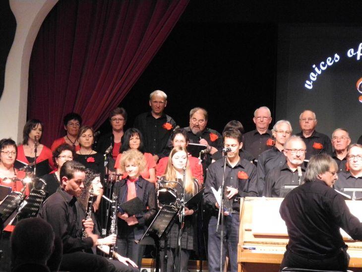 Claus Elshoff vor dem Chor